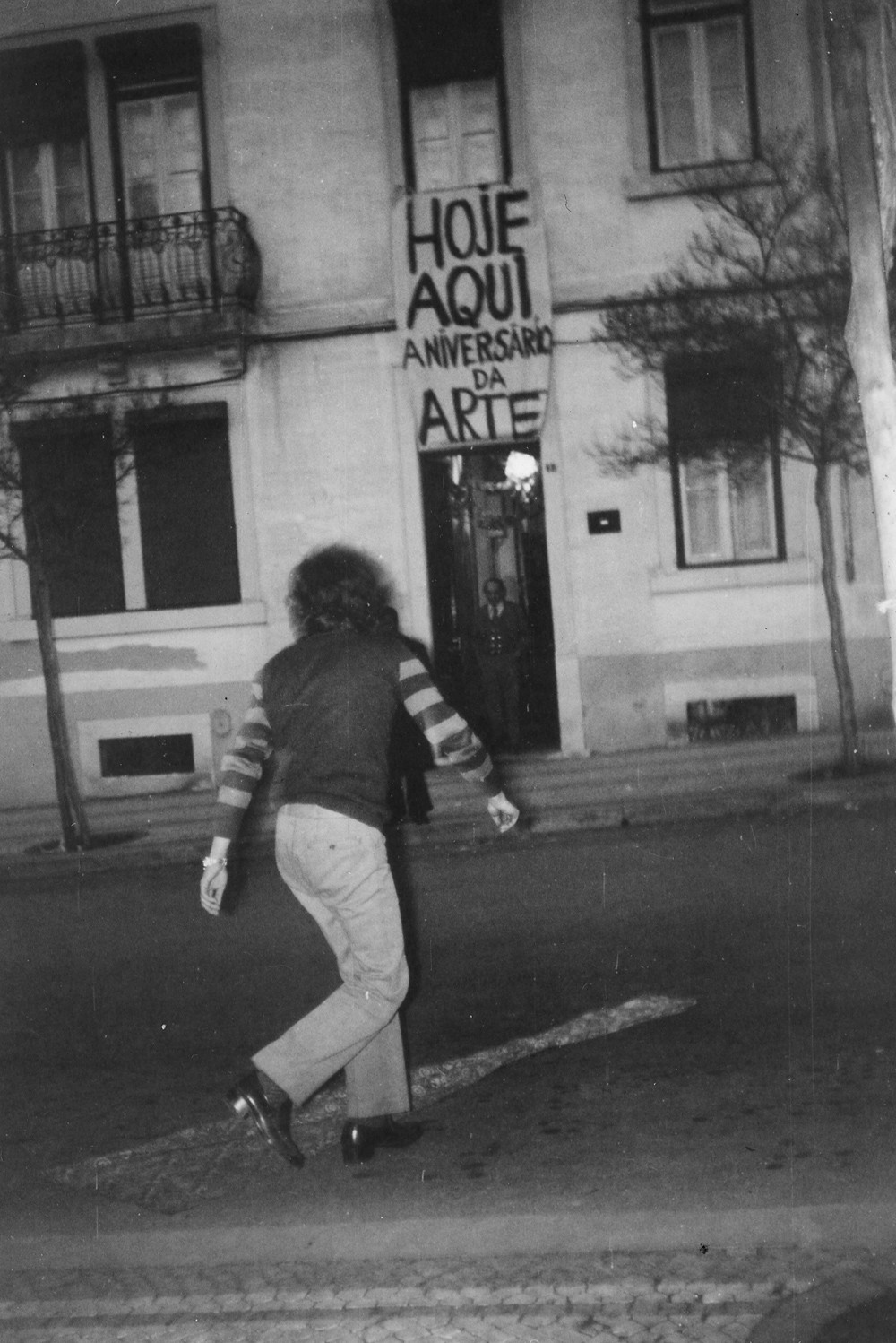 Anniversary of Art, CAPC, 1974. Performance by Albuquerque Mendes.